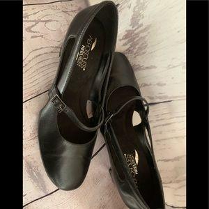 Aerosole black baby doll shoes size 8.5